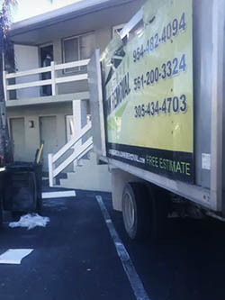 junk removal truck Fort Lauderdale